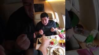 Video: Mirá lo que hacía Maradona en un avión