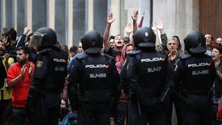 Riot police attack protesters in Girona