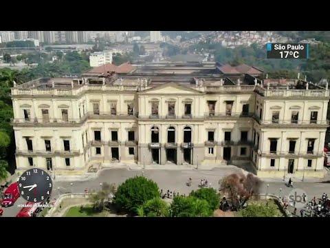 Incêndio destruiu 90% do acervo do Museu Nacional | SBT Notícias (04/09/18)