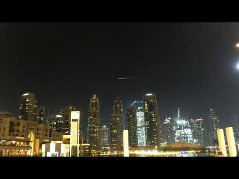 Meteor in Dubai sky by Burj Khalifa - 16 October 2017