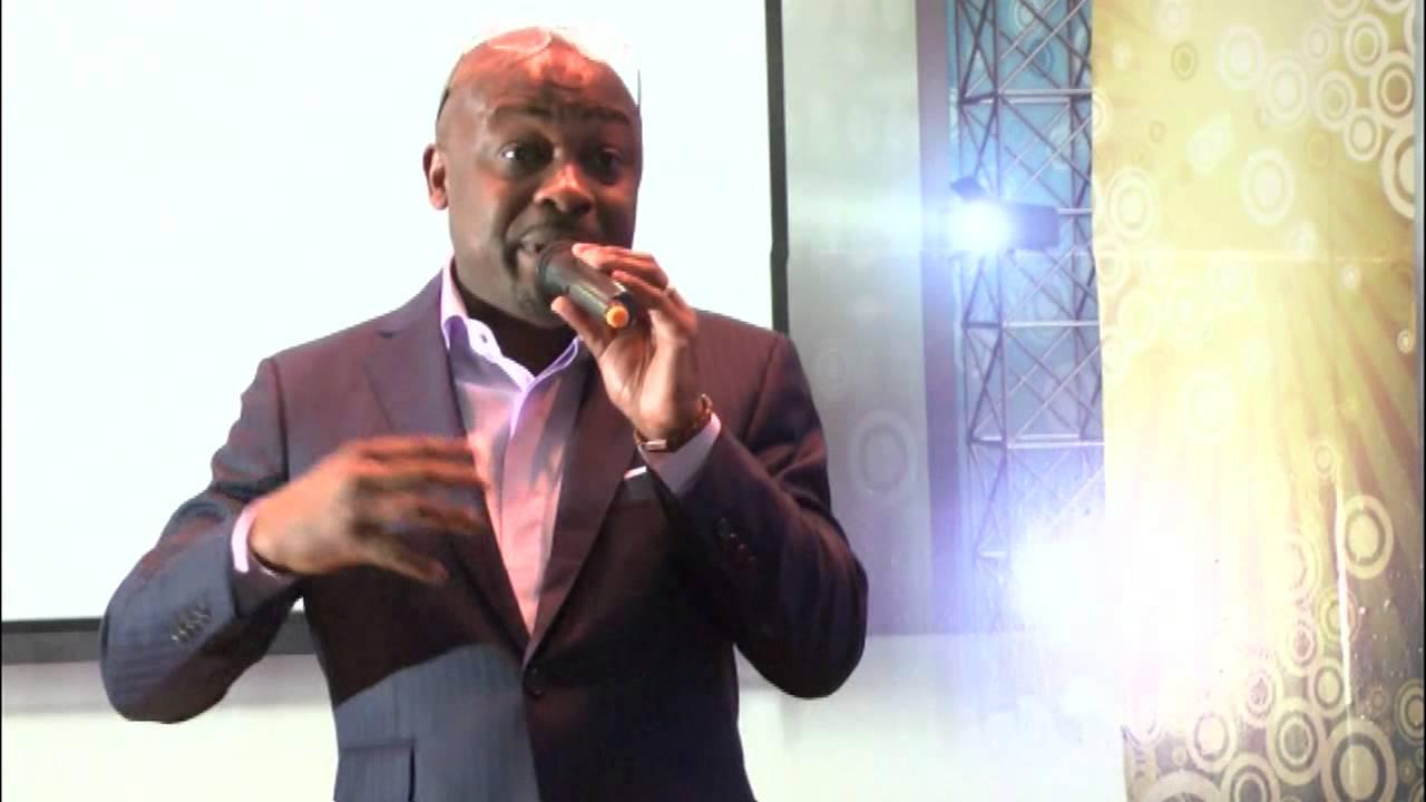 """Dédicace du coffret Vidéo """"Archives d'Afrique au CONGO"""