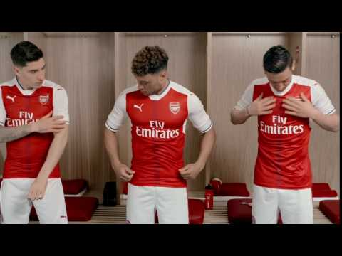 95608b9e7 Bellerin & Ozil Trying On New 16/17 Puma Arsenal Gear - YouTube