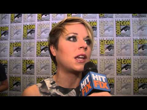 'Legends' star Tina Majorino talks working with Sean Bean and the 'Veronica Mars' base