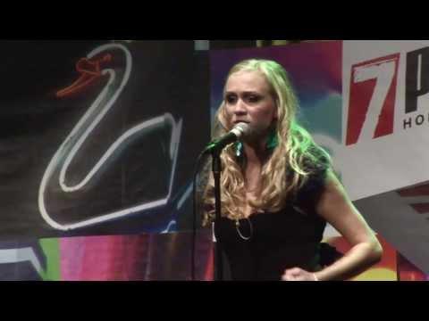 """7 pádů HD: Nicky Tučková """"Szukam cię Miłoszu!"""" Live (v Paláci Akropolis)"""