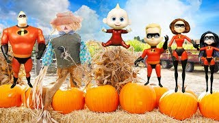 Incredibles Family Costumes with Baby Jack Jack and Villain Screenslaver Candy | Episode 15