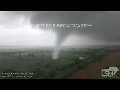 JR Montano - MIRA EL VIDEO: Dron capta el furioso paso de un tornado en Oklahoma