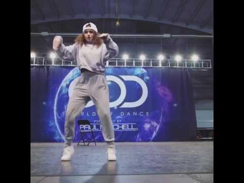The Robot Girl Ditto Robot Dance Youtube