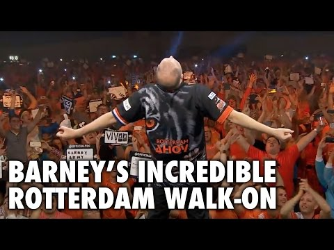 Raymond van Barneveld's INCREDIBLE Rotterdam Walk-On