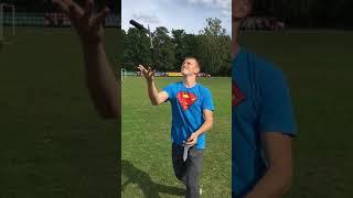 Жонглирование ножами в slow motion