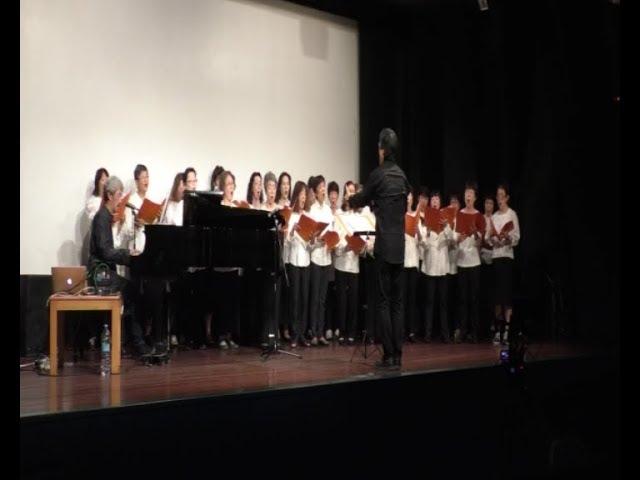 Hiroshimako abesbatzak eta Akira Inoue musikariak Bakearen aldeko kontzertua eskaini dute Elai Alai aretoan