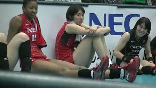 試合終了後のサリナ(古賀 紗理那)&ユキ(石井 優希)