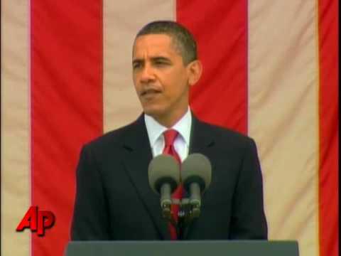 Obama Marks Memorial Day at Arlington Cemetery