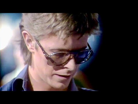 """David Bowie • """"Heroes"""" • Standing Next To You [intro] • Live on the Marc Show • 7 September 1977"""