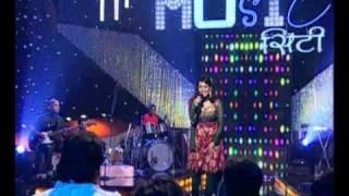 Jaanvee performs on billo rani and tuk tuk dekhe medley.wmv
