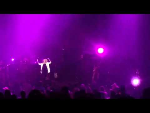 Tori Kelly Prince Tribute - When Doves Cry - Chicago Rosemont Theater 5/6/16