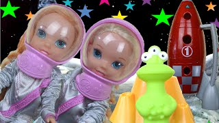 Anna and Elsa Toddlers Star Light Space Adventure Mini Movie | Disney Frozen Anna and Elsa Dolls