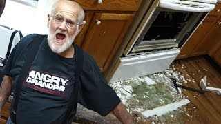 Download Video Angry Grandpa: Pranks And Rages Of 2016 MP3 3GP MP4