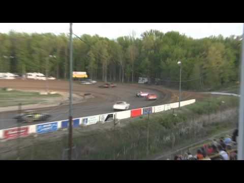 mount pleasant speedway  5-20-2011  UMP streetstock  heat   race #1