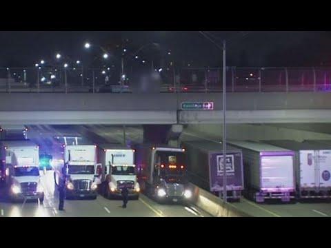 Tractor-Trailers Rally Under Bridge to Save Suicidal Man: Cops