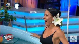 WOWBIZ (27.07.2017) - Andreea Mantea in costum de baie si Iulia Albu, in piscina!