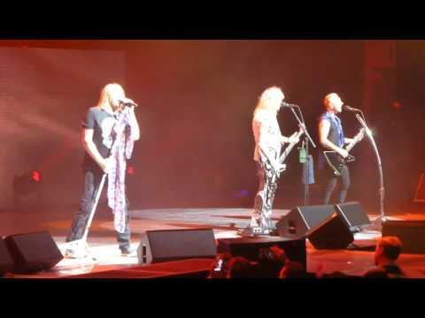 "Def Leppard ""Foolin""  - 4-22-2017 - Sioux Falls, SD - Denny Sanford Premier Center"