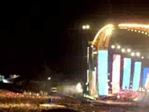 Robbie Williams - Rock DJ [Live]