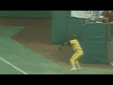 1979 ASG: Parker recovers, throws out Rice at third