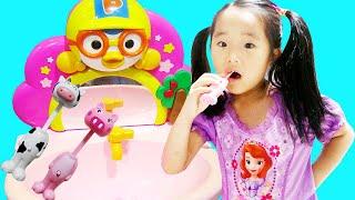 brush your teeth song kids song 수지랑 양치하면서 인기동요 영어 배우기 놀이 뽀로로 세면대 장난감