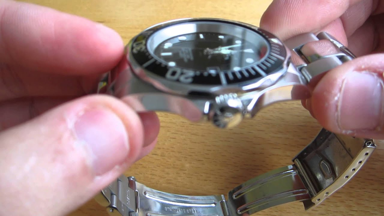 diver with invicta pro sapphire watch youtube glass