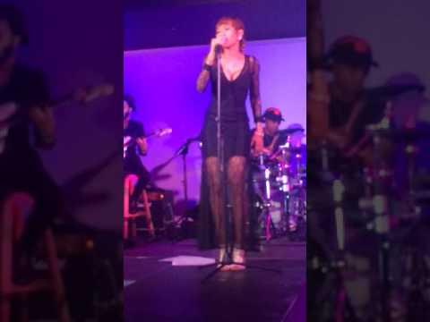 Nampiri - Tshela Live and Reyired performance