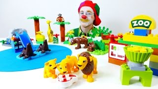 A LEGO zoo for toy animals. Videos for kids.