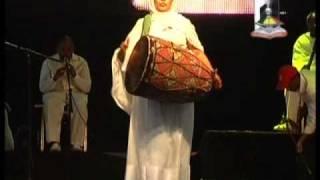 Diakon Tewodros......(የፍቅር እናት) MP3