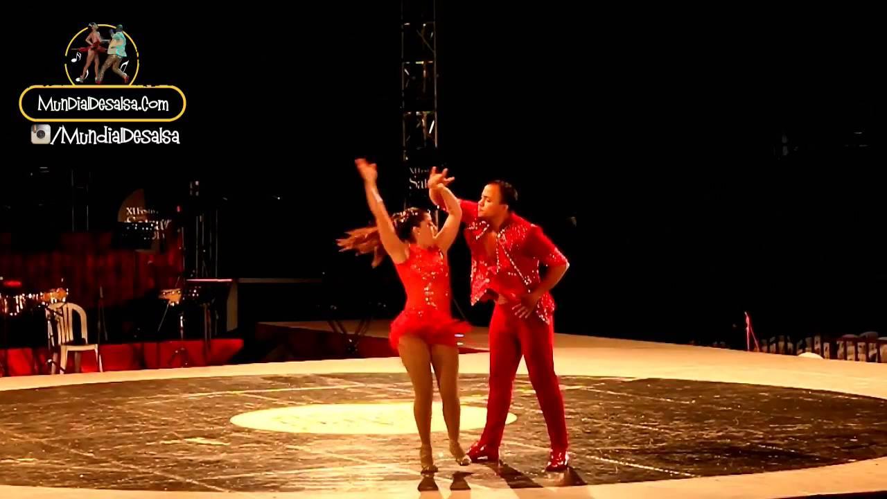 Katherine Rosales y Jonathan Quiñonez