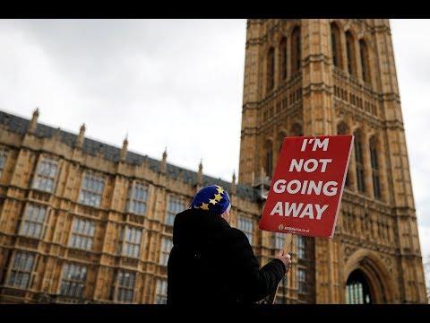 "DELFI 11. ""Brexit"" skandina svarą: ar dar verta vykti dirbti į Jungtinę Karalystę?"