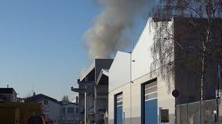 Feuer auf Hallendach von Hagener Feuerwehr schnell gelöscht – Photovoltaikanlage brannte