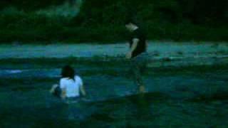 Yansen Menyebrang Sungai Lematang