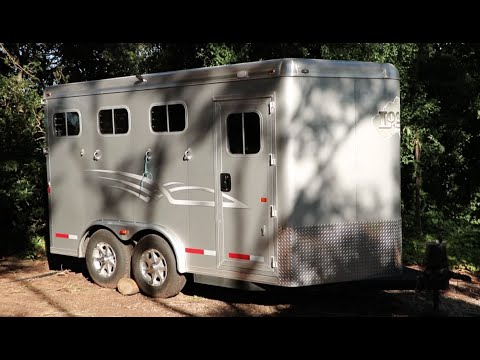 Trailer/Tack Room Tour!