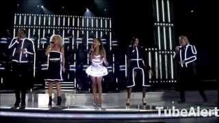 hot ariana grande interrupted little big town s 2014 cma awards performance with a bang bang