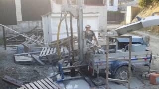 Буріння свердловин в Геленджику мобільного устоновкой на базі жигулівського причепа ;