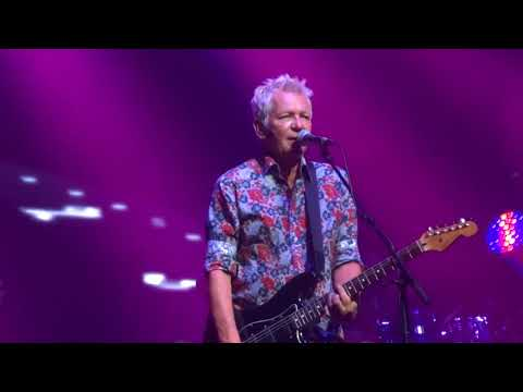 LOVE IN MOTION -ICEHOUSE LIVE AT THE PALAIS THEATRE ST KILDA MELBOURNE 17/11/17