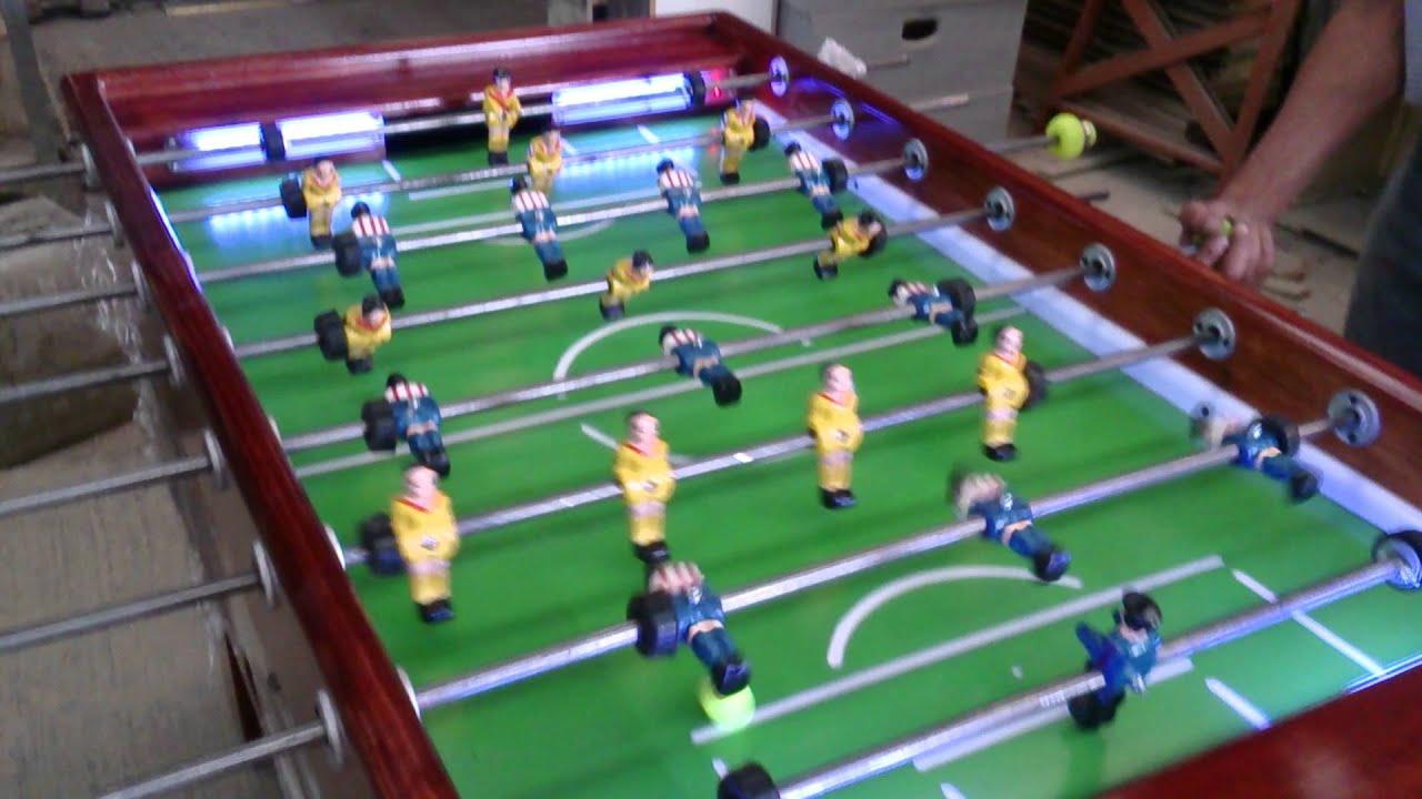 Partido de futbolito youtube for Mesa futbolito