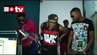 AyoTV: Diamond,B12,Adam Mchomvu na Mussa Hussein wakicheza Ngololo Dancing style