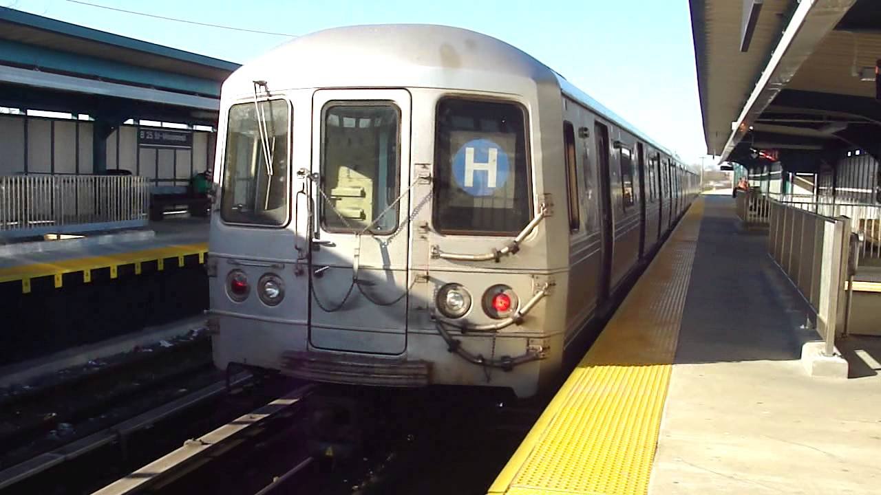 IND Far Rockaway Line: R46 H Train at B 25th St-Wavecrest (Mott Ave Bound) - YouTube
