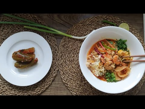 Ramen Noodles Soup with Shrimps ( Easy and Nutritious - Korean style )