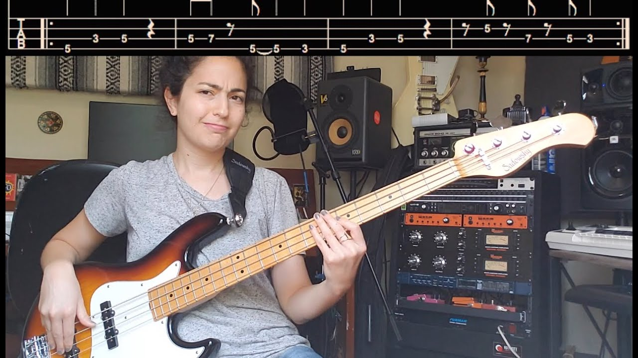 Download 2 easy and groovy bass lines for beginner bass players (with playalong!)