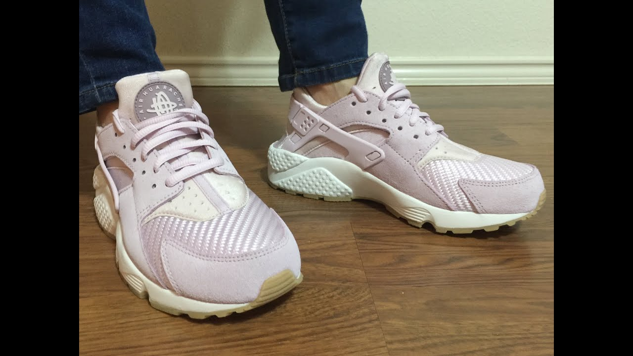 ee5f17588e36 Wife s review of the Lavender Nike Air Huarache TXT unbox on feet ...