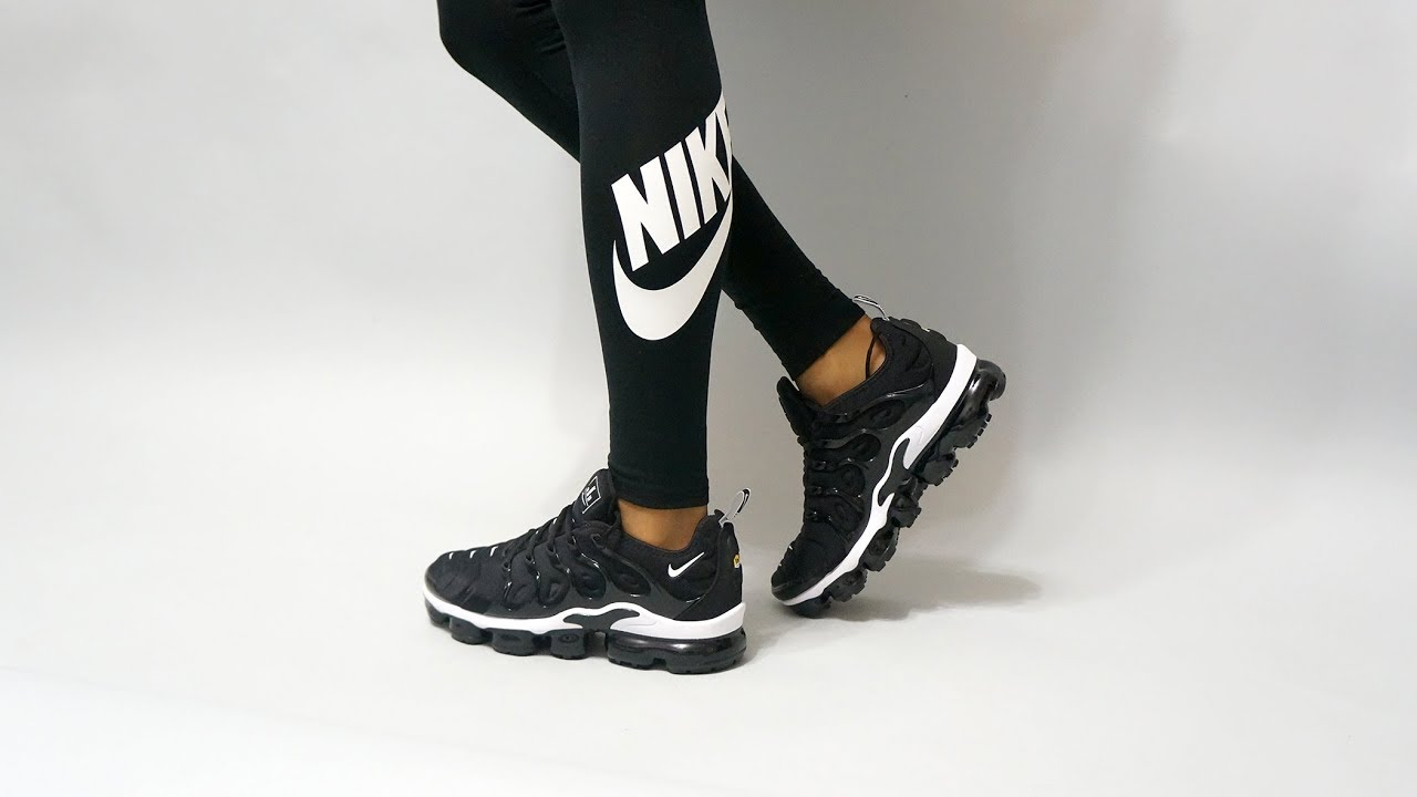 4033024f59415 Nike Air VaporMax Plus black 924453-011 on feet - YouTube