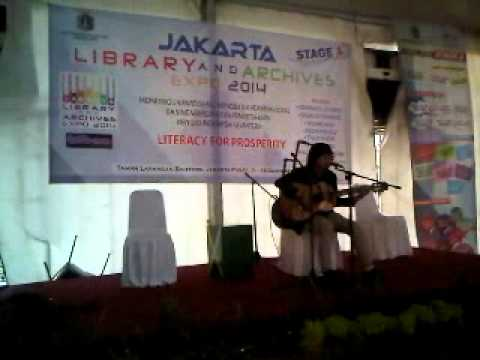 Ariv Kotu - Ayah ( Dlloyd ) at Jakarta Library and Archive Expo 2014
