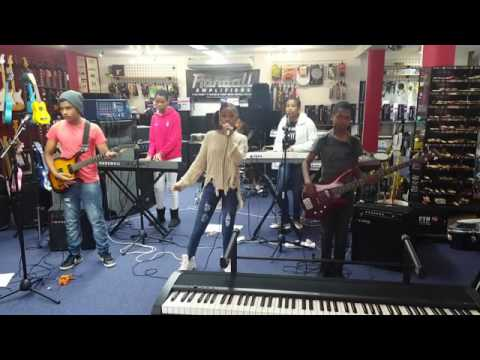Ringo Madlingozi - 'Ngiyagodola' - KWINI KUZA cover version