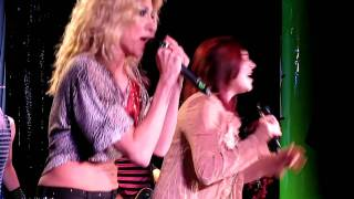 DEBBIE GIBSON and TIFFANY don't stop believing CANAL ROOM NYC January 22 2011